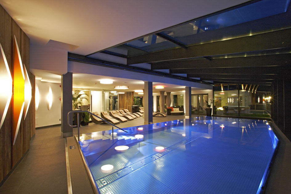 Hotel con piscina in alta badia vacanze benessere a la villa - Hotel maranza con piscina coperta ...